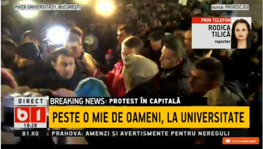 Președintele României Klaus Iohannis vine să salute protestatarii.